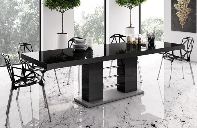 Jedálenske stoly